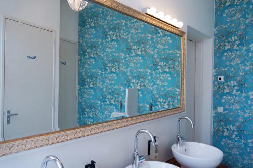 De Bedstee Hotel - Man Bathroom